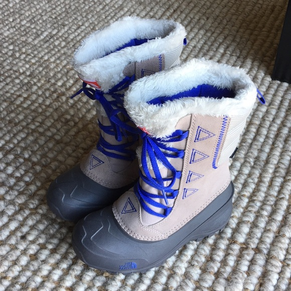 girls snow boots size 2